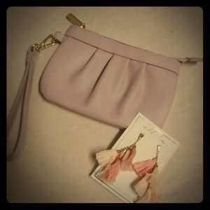 Wristlet and earnings